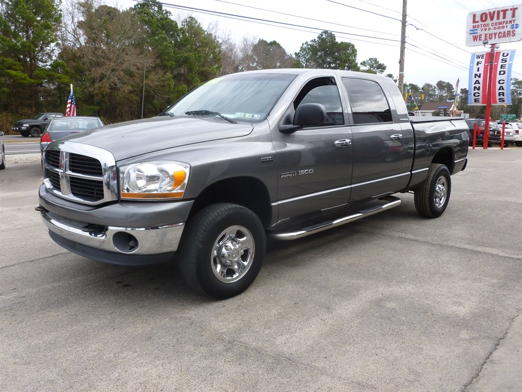 !!WOW!! AUTOMATIC, CLOTH, AM/FM/CD PLAYER, 4-DOOR, EXTRA CLEAN! CALL TODAY FOR MORE DETAILS @ 910-799-5001